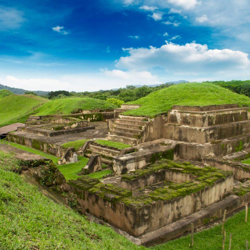 Historia y Misticismo en Centroamérica, El Salvador