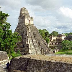 Volcanes, mayas, lencas y garífunas en Guatemala y Honduras
