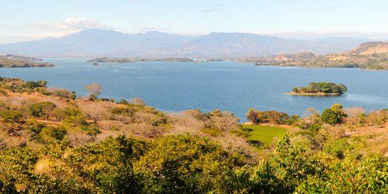 Lago Suchjlan en Centroamérica, El Salvador
