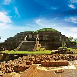 Sitio Arqueológico de Tazumal en Centroamérica, El Salvador