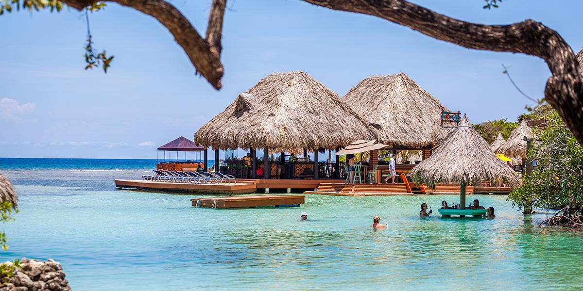 The Bay Island And Roatan Sun Beaches And Nature In Honduras
