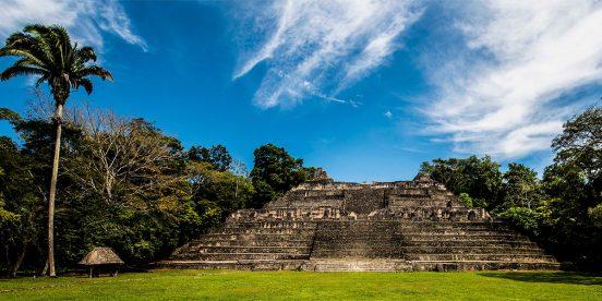 Ruinas mayas e Caracol, historia y misticismo en Belice