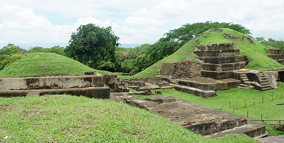 Guatemala, Nicaragua, Salvador - Charco verde & Petroglifos