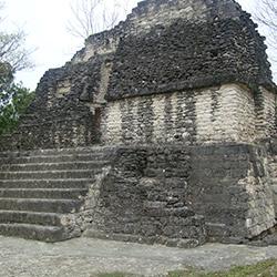 Comunidad indígena Uaxactun en Guatemala