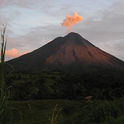 Bosques, Volcanes y Ciudades: Costa Rica y Nicaragua