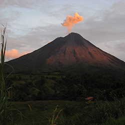 Forests, volcanoes and cities: Costa Rica, Nicaragua. Central America Tour